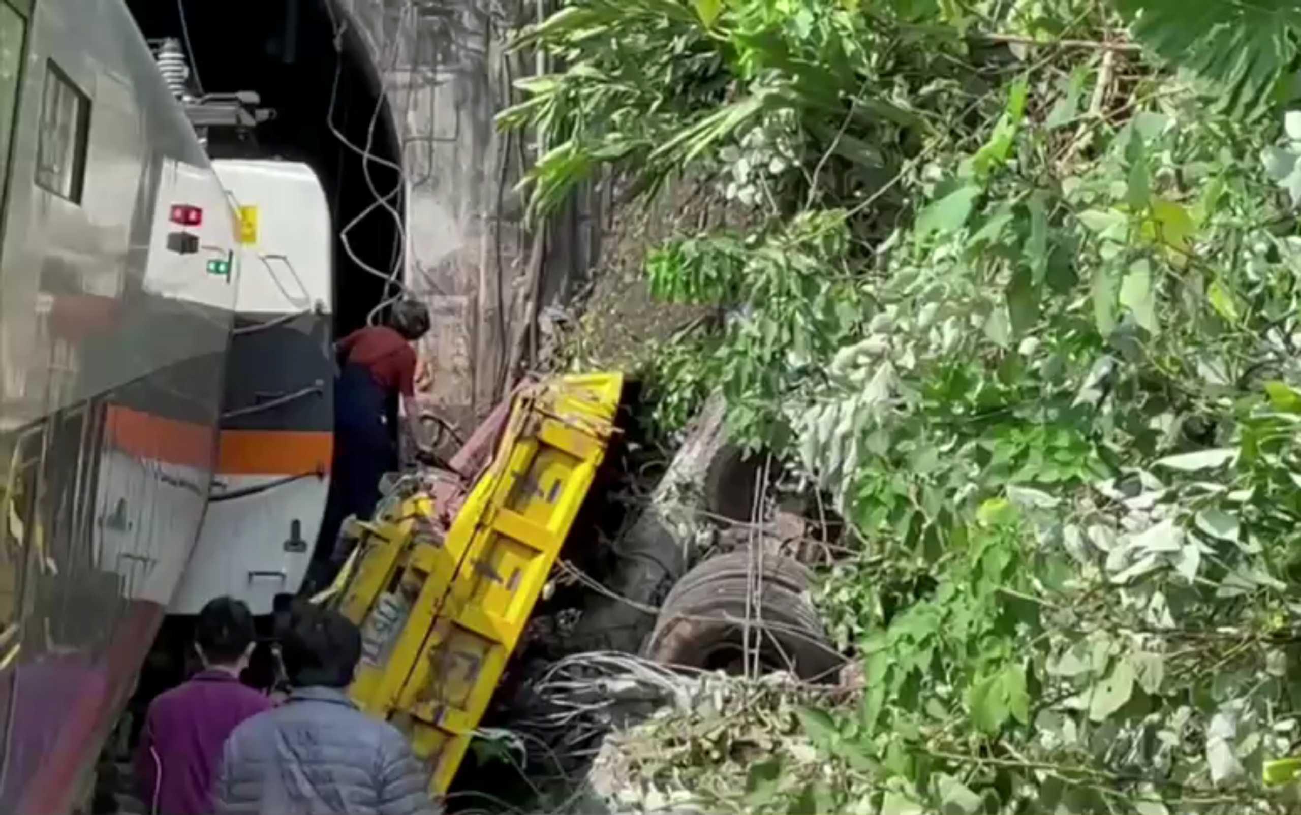 Ταϊβάν: Έτσι προκλήθηκε το δυστύχημα με τους 36 νεκρούς (pics, video)