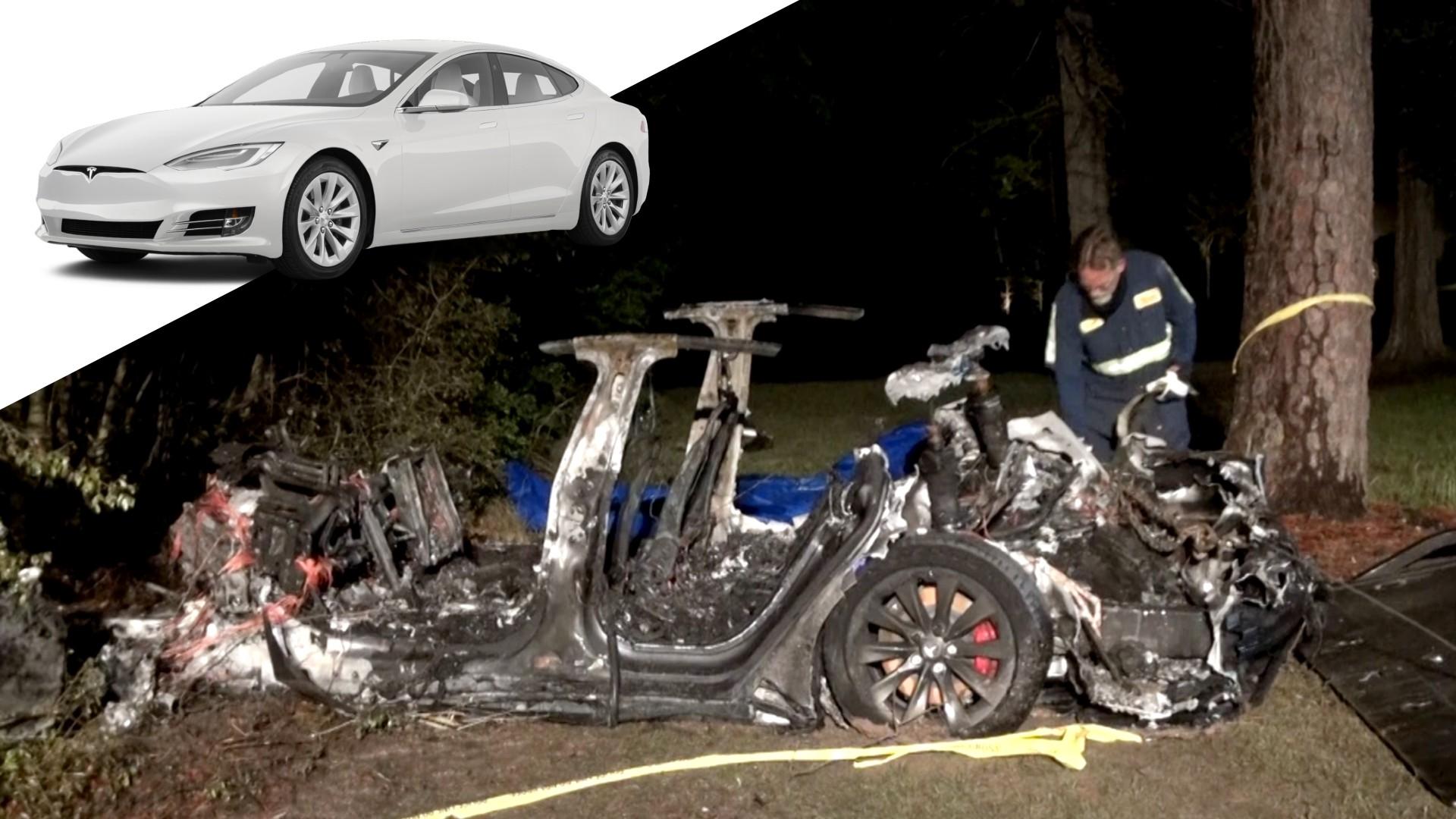 Έρευνα για τροχαίο με δύο νεκρούς σε Tesla που πήγαινε… χωρίς οδηγό! (pics)