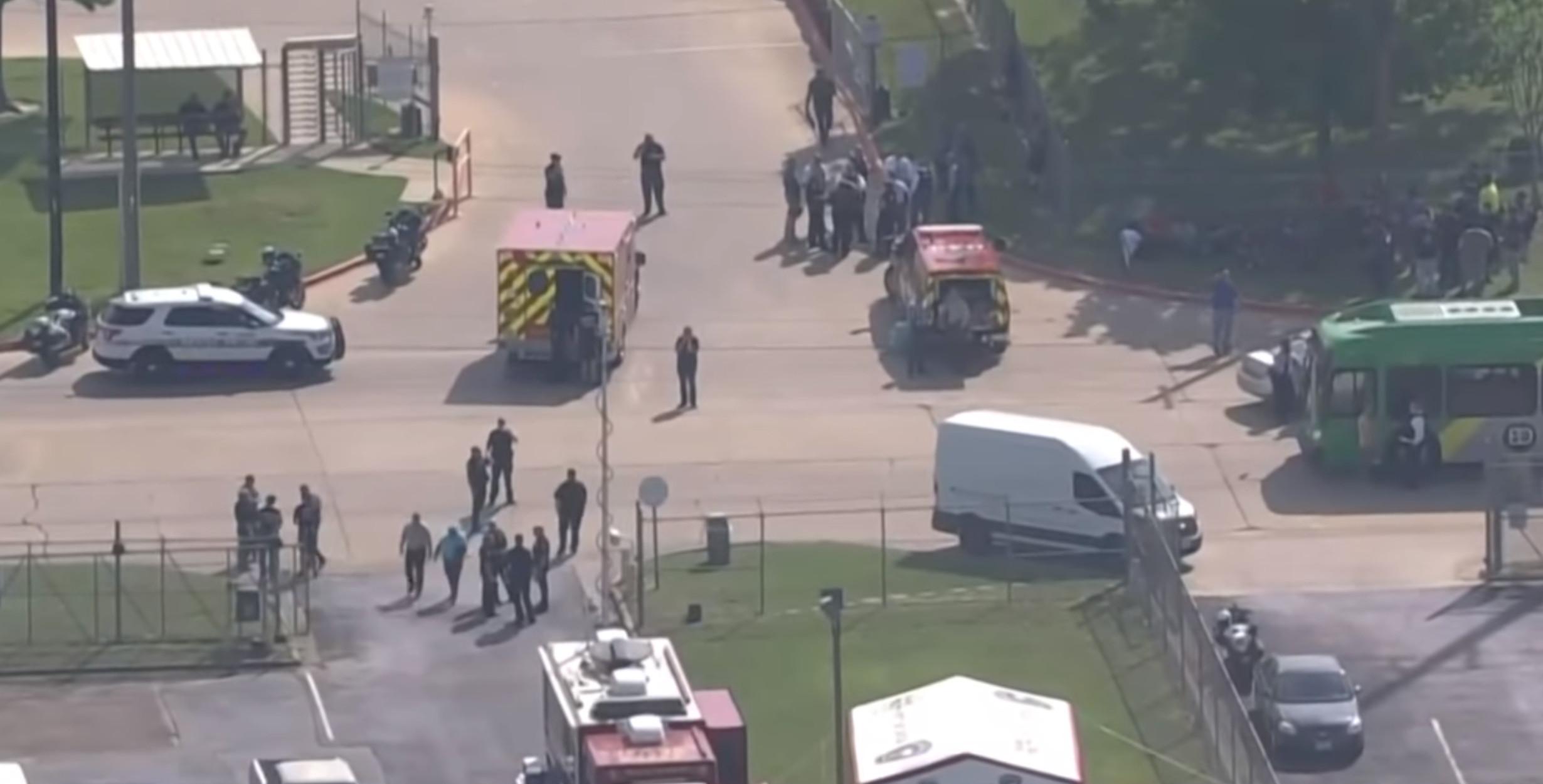 Τέξας: Ένας νεκρός και 5 τραυματίες από τους πυροβολισμούς σε εταιρεία επίπλων (video)