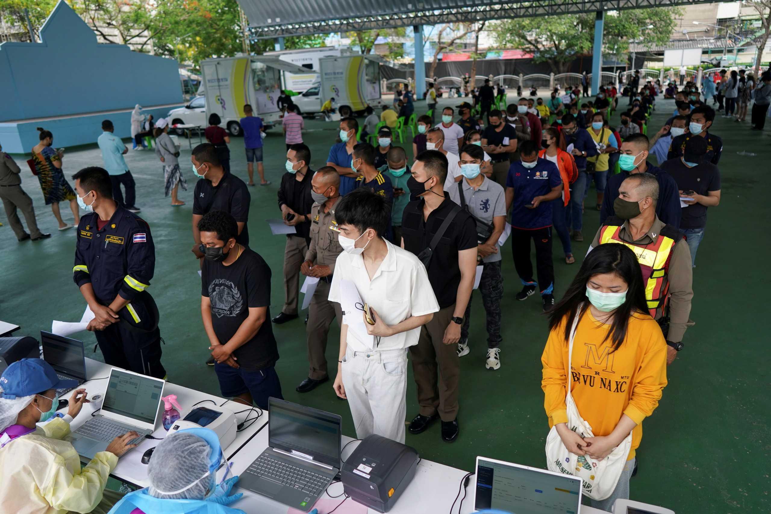 Ταϊλάνδη: Ανάσα από την μείωση των κρουσμάτων κορονοϊού μετά τα συνεχή ρεκόρ