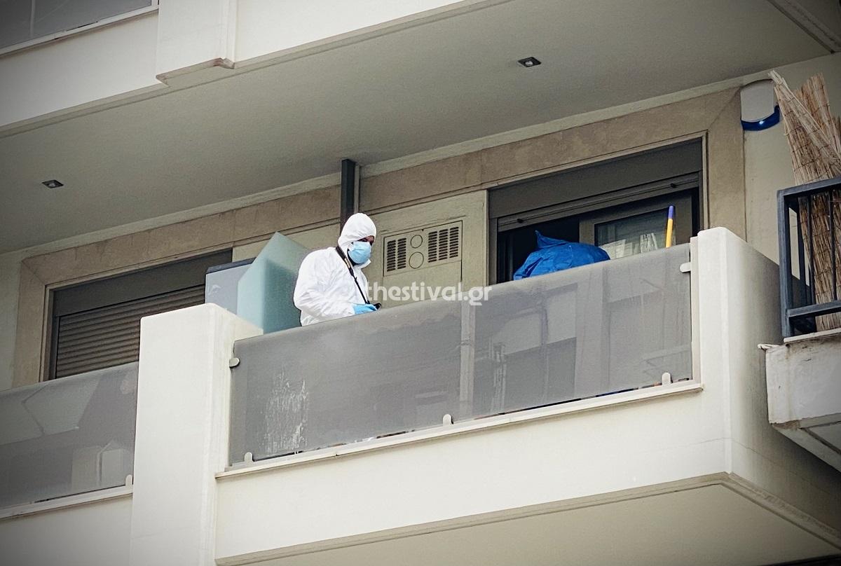 Θρίλερ στη Θεσσαλονίκη με άνδρα που βρέθηκε μαχαιρωμένος μέσα στο σπίτι του
