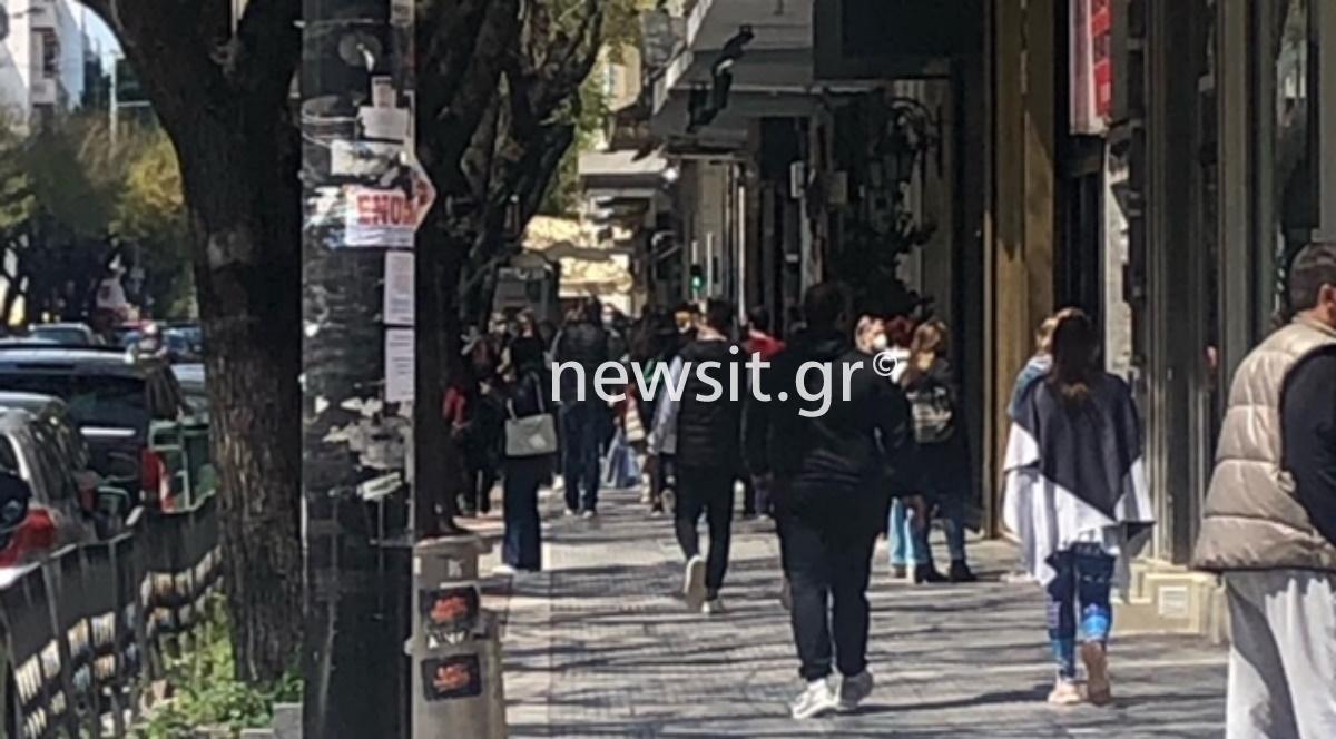 Θεσσαλονίκη: Βόλτες και ψώνια στο κέντρο – «Βούλιαξε» η Τσιμισκή (pics)