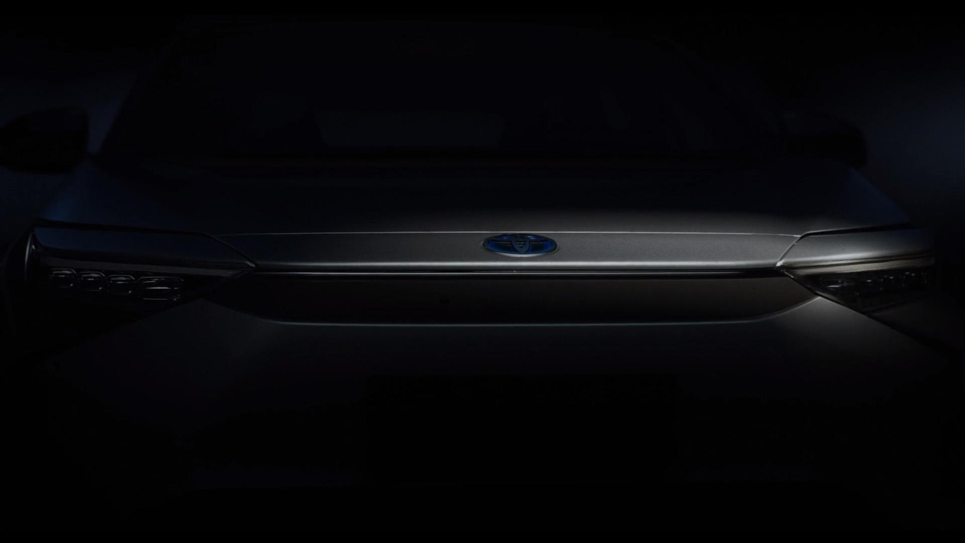 Πρώτη γεύση από το πρώτο ηλεκτρικό SUV της Toyota (video)