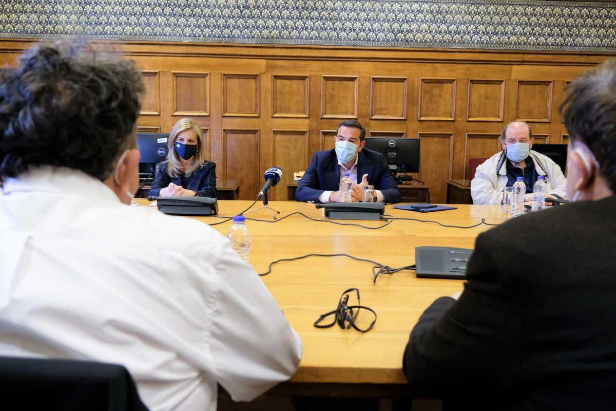 Τσίπρας με ΟΛΜΕ: Να ανασταλεί το νέο σύστημα εισαγωγής στα ΑΕΙ