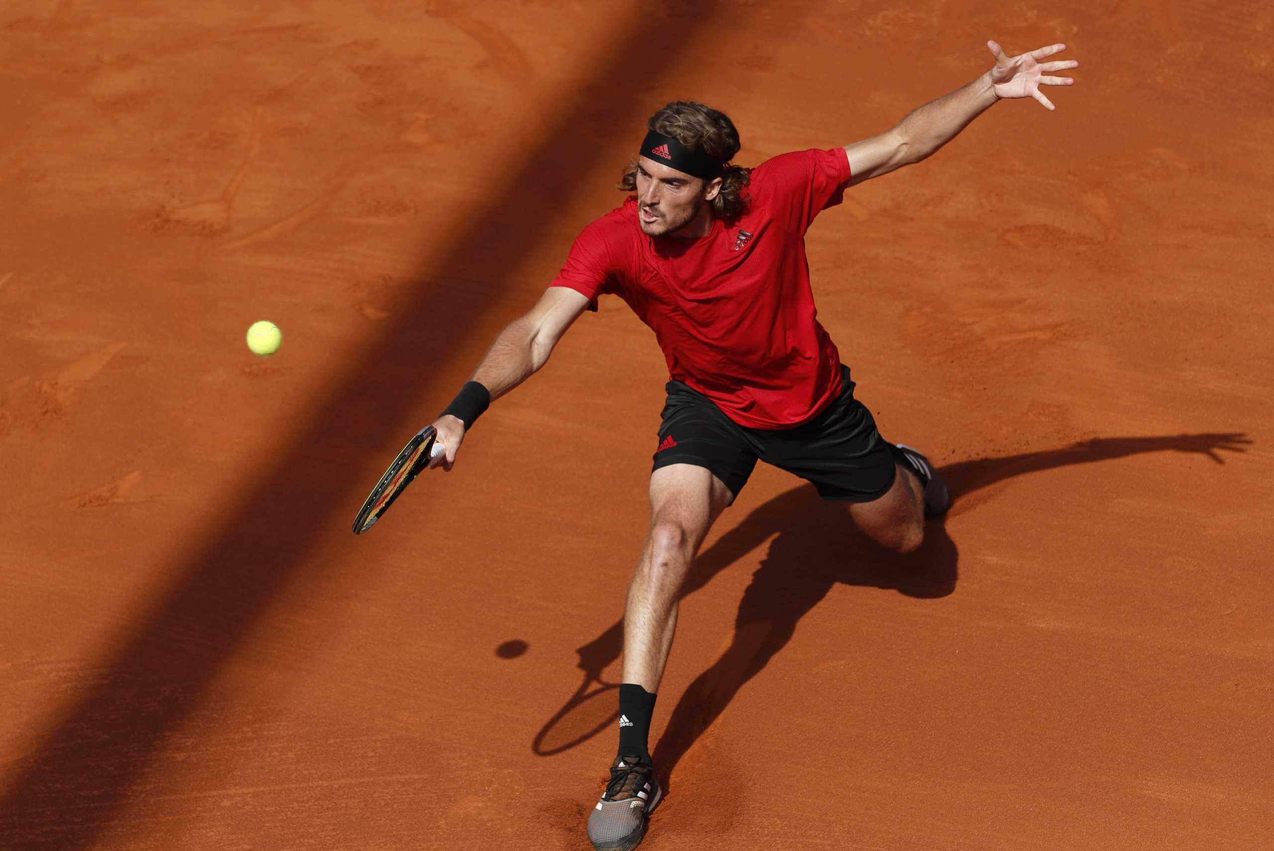 Roland Garros: Ρίχνεται στη «μάχη» ο Τσιτσιπάς