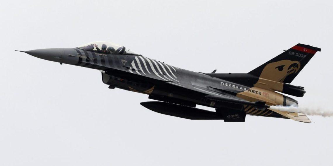 """Με παραβιάσεις και εικονικές αερομαχίες """"ξέσπασαν"""" τα τουρκικά F-16 στο Αιγαίο εν μέσω """"Ηνίοχου 21"""""""