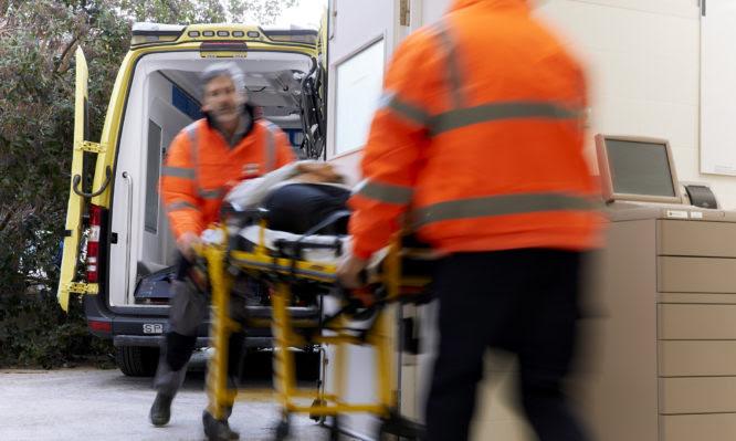 Κορονοϊός: «Βράζει» η βόρεια Ελλάδα από ενεργά κρούσματα – Επιτόπου κλιμάκιο του Υπουργείου Υγείας