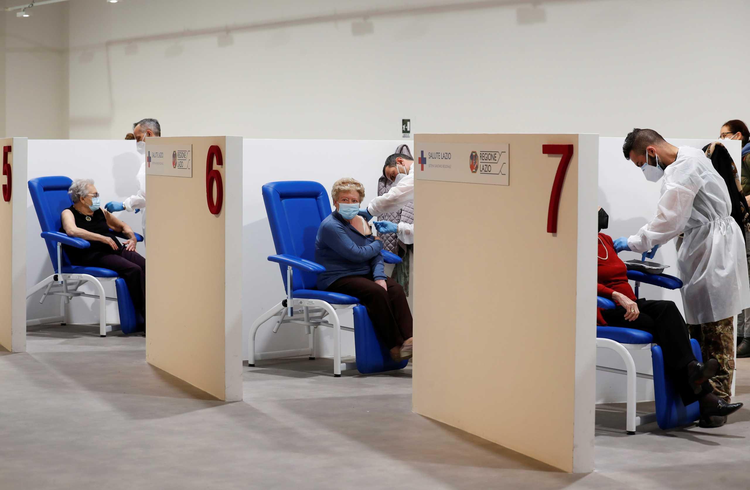 Ιταλία: 500.000 εμβολιασμοί την ημέρα – Στόχος να εμβολιαστεί 60% του πληθυσμού ως τα μέσα Ιουλίου