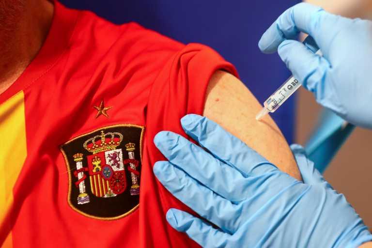 Ισπανία: Μόνο για τους 60-65 το εμβόλιο της AstraZeneca