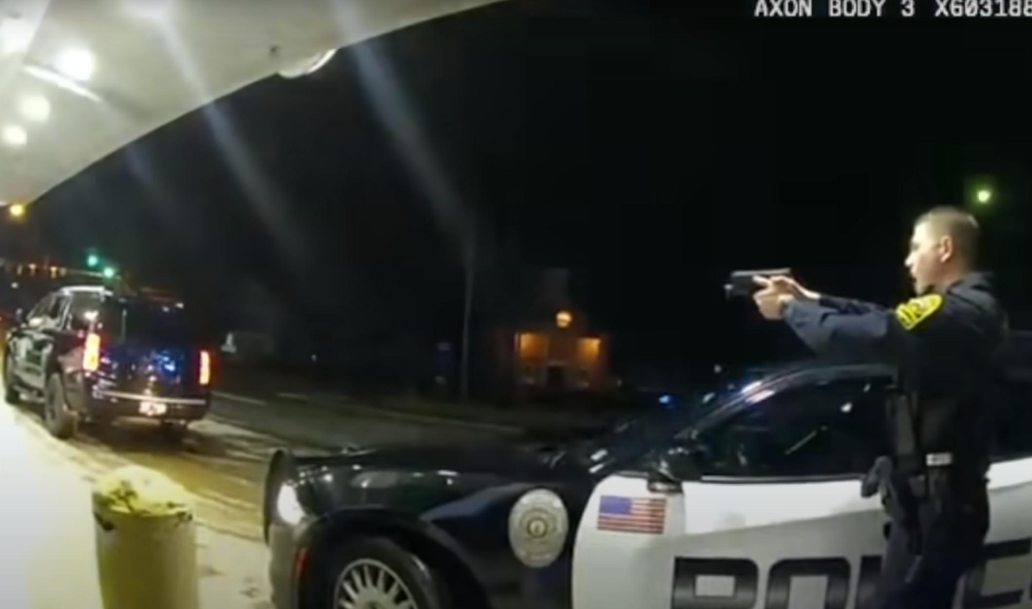 Βιρτζίνια: Αποπέμφθηκε ο ένας αστυνομικός για την επίθεση σε αφροαμερικανό σε έλεγχο της τροχαίας