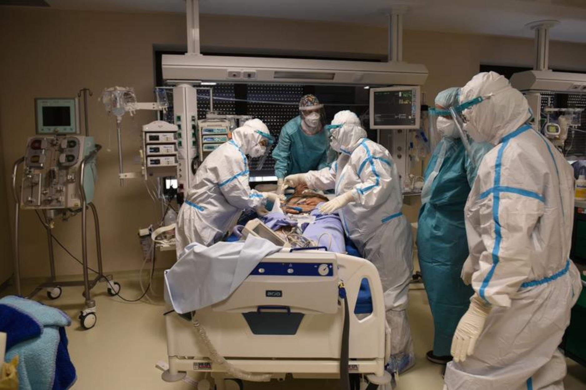 Βόρεια Μακεδονία: Πλαφόν στις εξωφρενικές χρεώσεις κλινικών σε ασθενείς με κορονοϊό