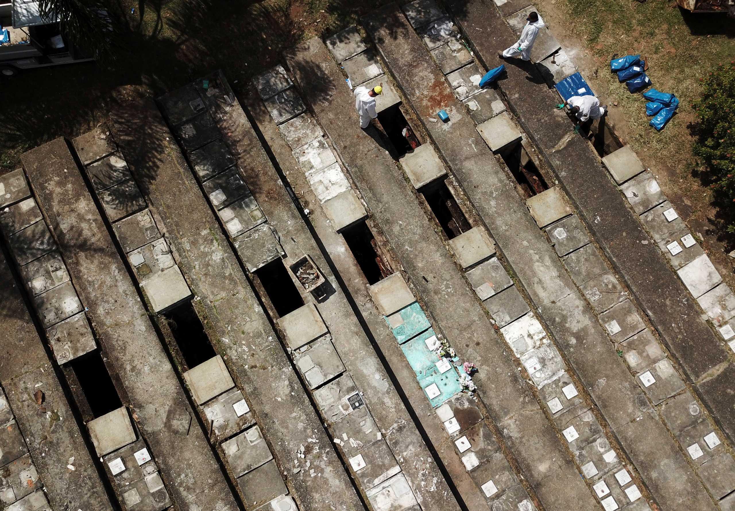 Βραζιλία: Δεν το χωρά ανθρώπινος νους! 4.249 νεκροί από κορονοϊό το τελευταίο 24ωρο