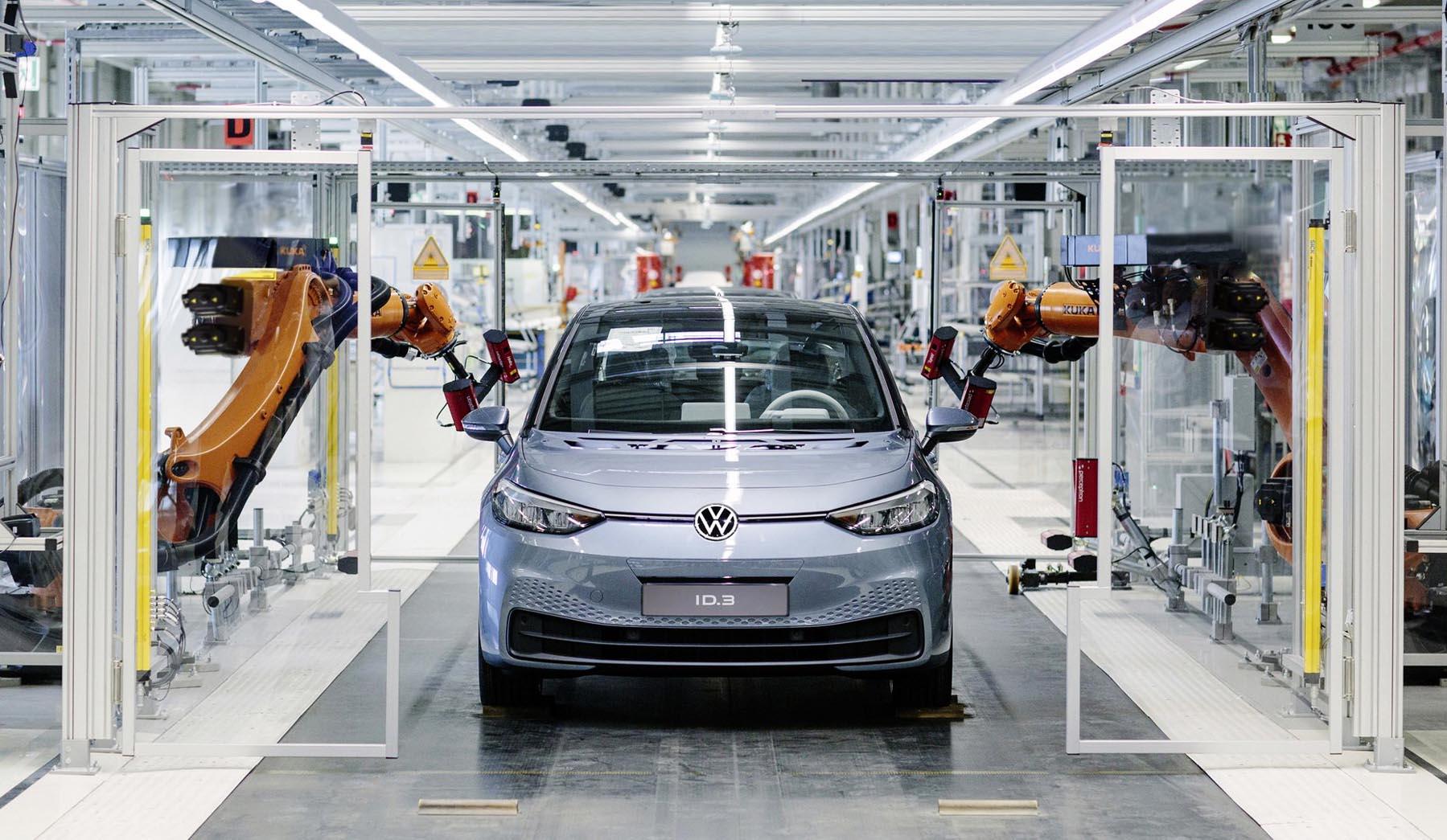 Volkswagen: Δίνει αυξήσεις στους εργαζόμενους αλλά αυτοί προτιμούν επιπλέον ρεπό!