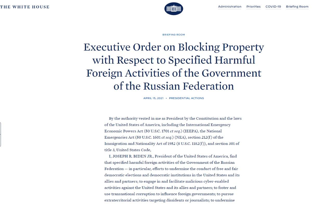 «Το πάτησε» ο Μπάιντεν: Απελαύνει διπλωμάτες και επιβάλλει κυρώσεις κατά της Ρωσίας