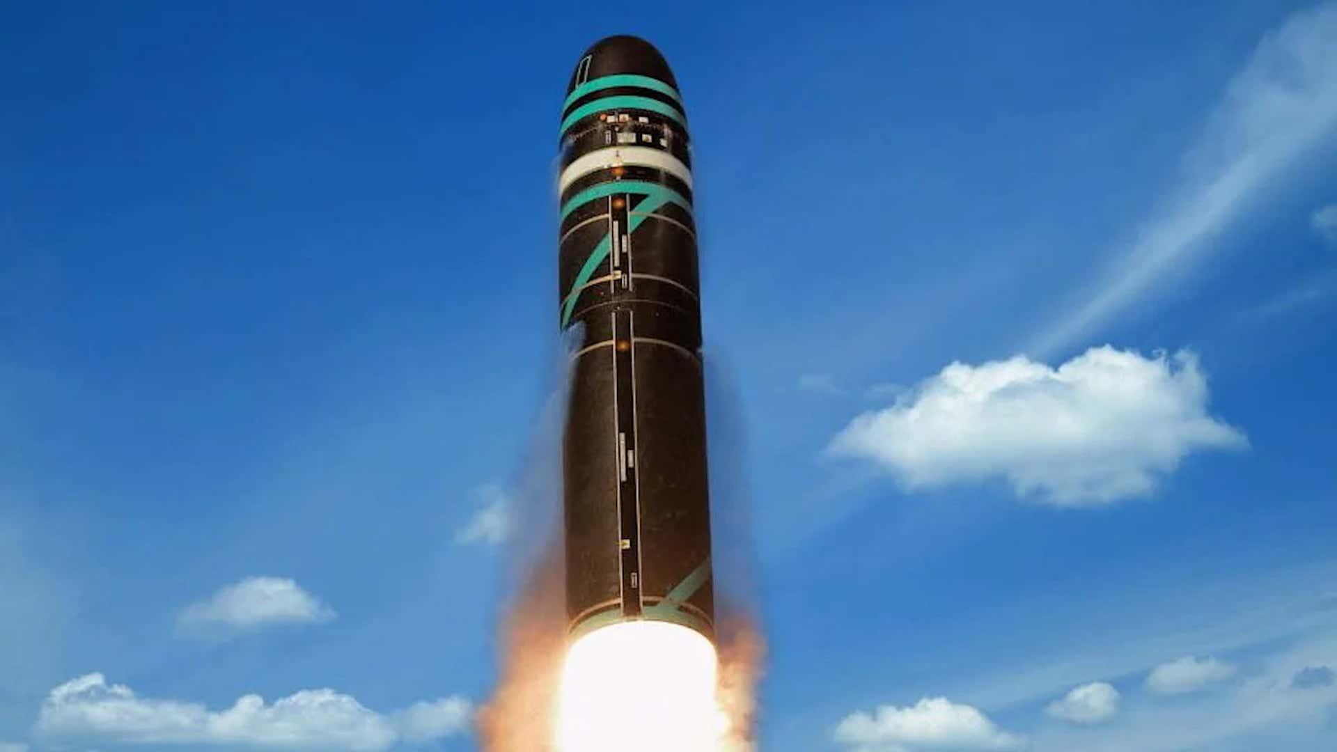 Η Γαλλία «υπενθυμίζει» την πυρηνική της δύναμη με εκτόξευση βαλλιστικού πυραύλου! (video)