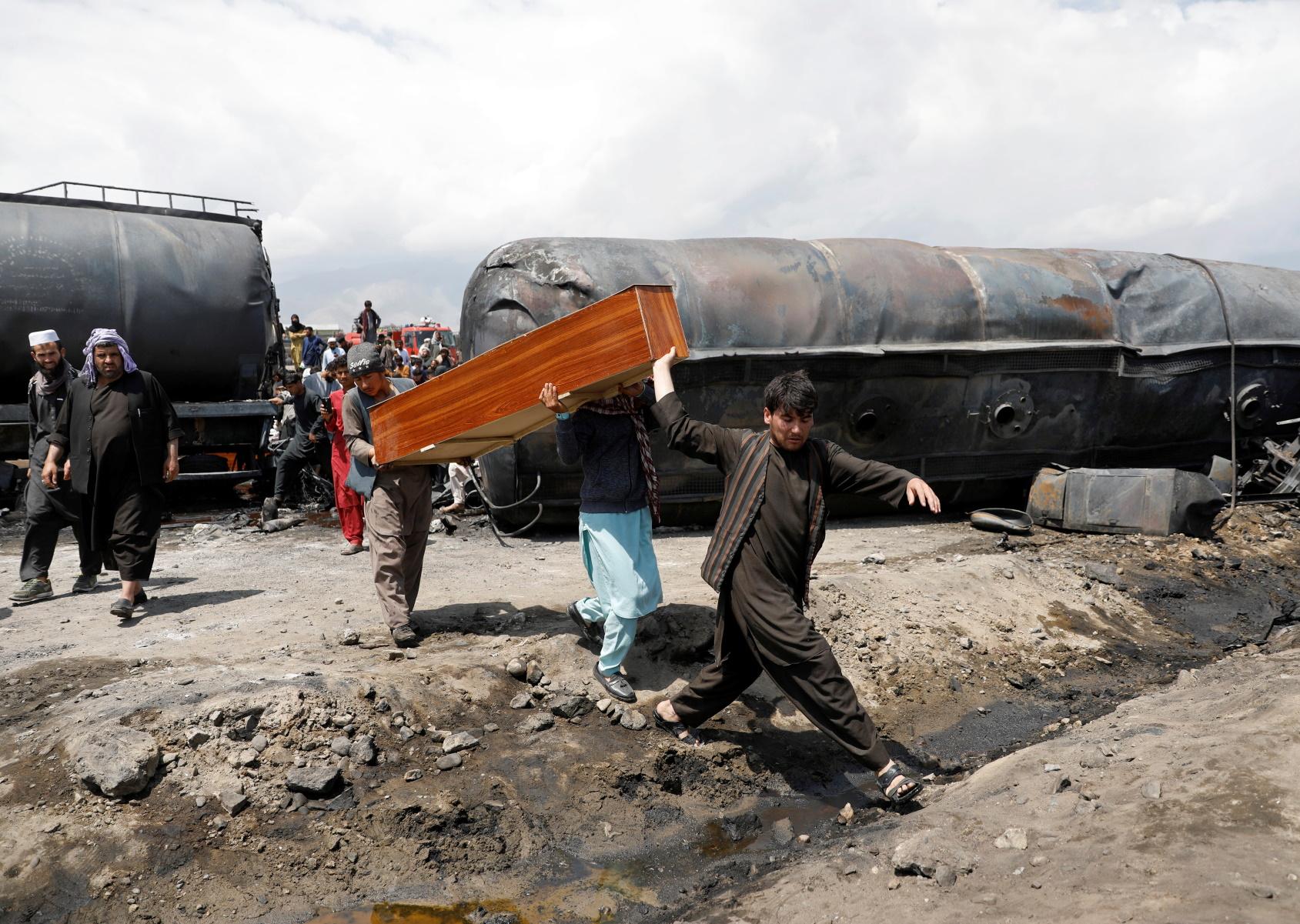 Αφγανιστάν: Πολύνεκρες μάχες με την έναρξη αποχώρησης των Αμερικανών – 100 νεκροί Ταλιμπάν (pics)