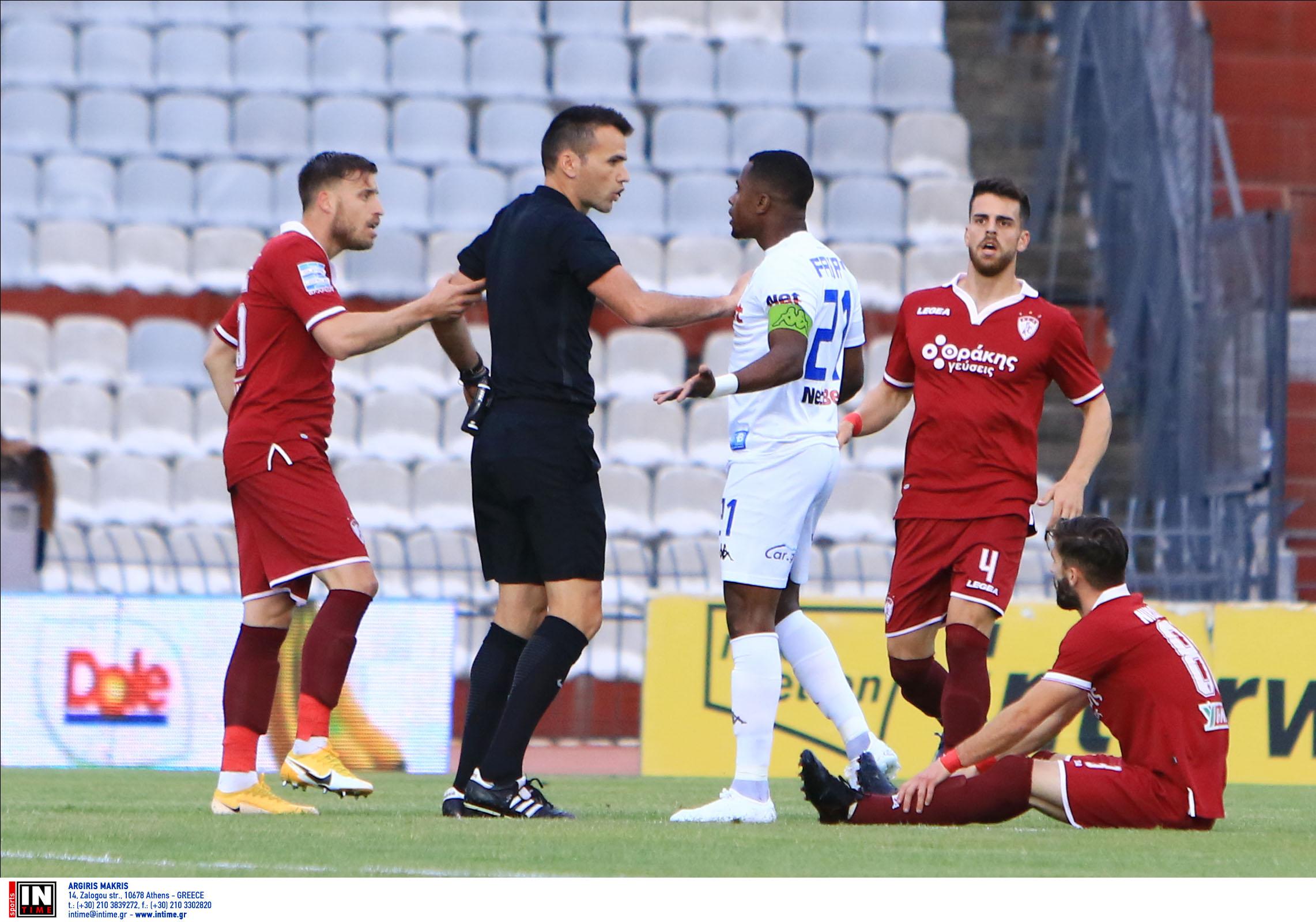 Χαμός στο ΑΕΛ – ΠΑΣ Γιάννινα με παίκτη να καταγγέλλει ρατσιστική επίθεση