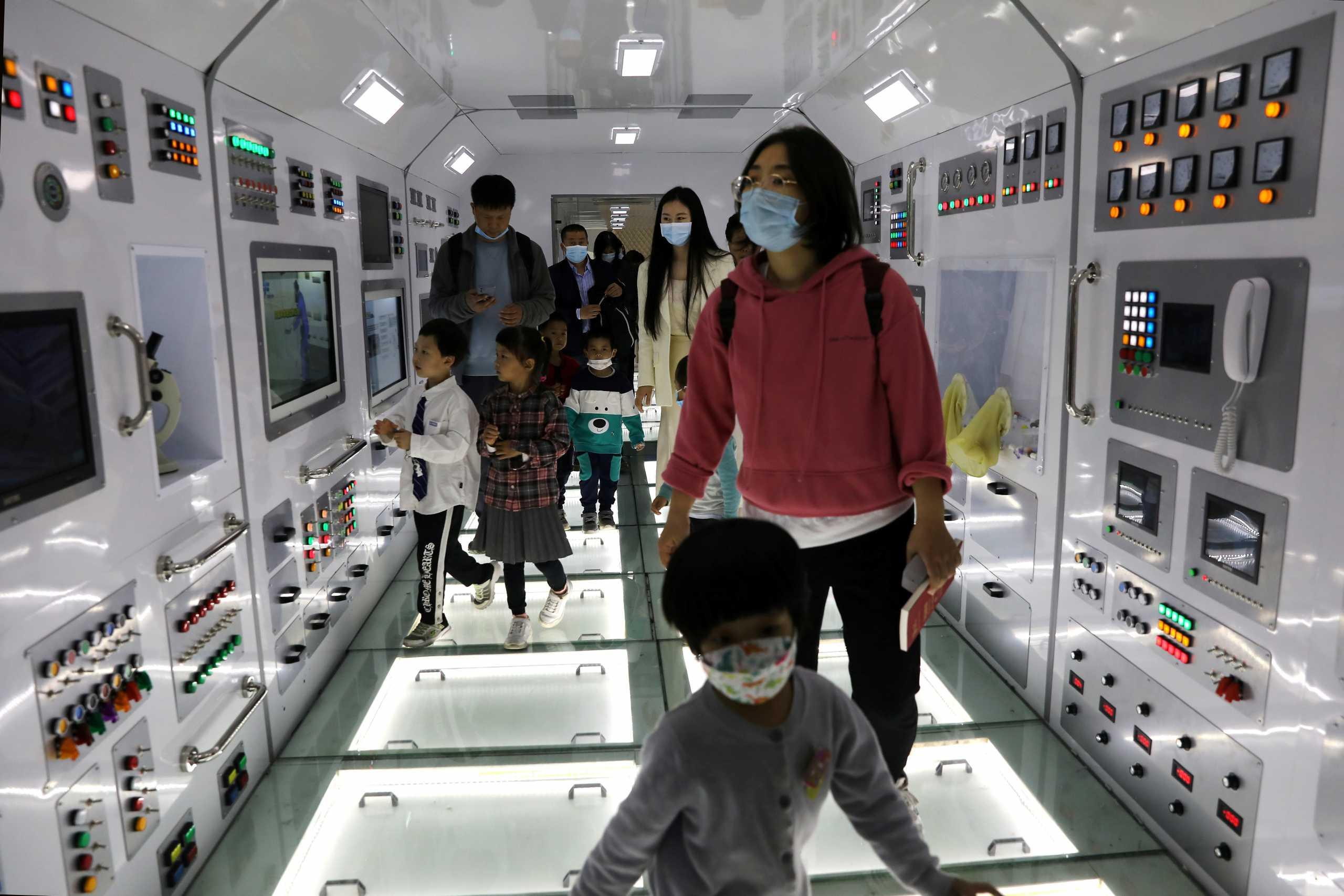 Κίνα: Πλέον κάθε ζευγάρι θα μπορεί να αποκτήσει και 3ο παιδί