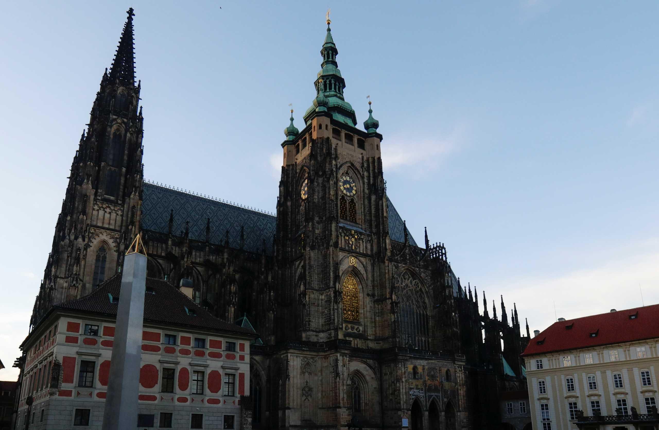Τσεχία: Επιστρέφει στη θέση του υπουργού Υγείας ο Άνταμ Βόιτεχ που συμμετείχε σε τηλεοπτικό διαγωνισμό ταλέντων