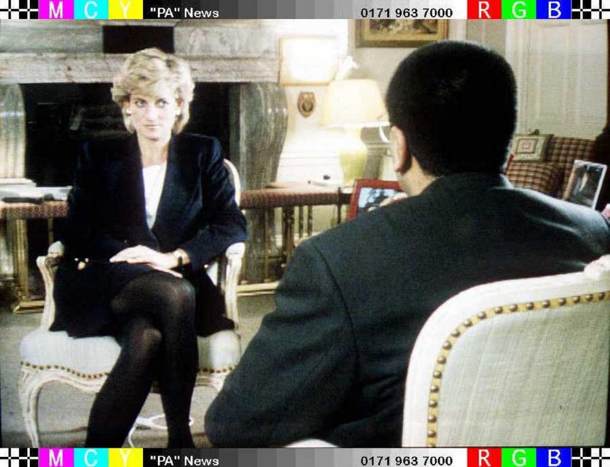 Πριγκίπισσα Νταϊάνα: Παραιτήθηκε από τη National Gallery πρώην διευθυντής του BBC την εποχή της «εξομολογητικής» συνέντευξης
