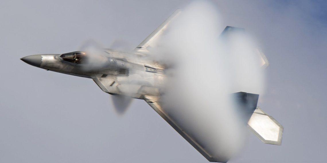 F-22: Έρχεται το τέλος της εποχής τους