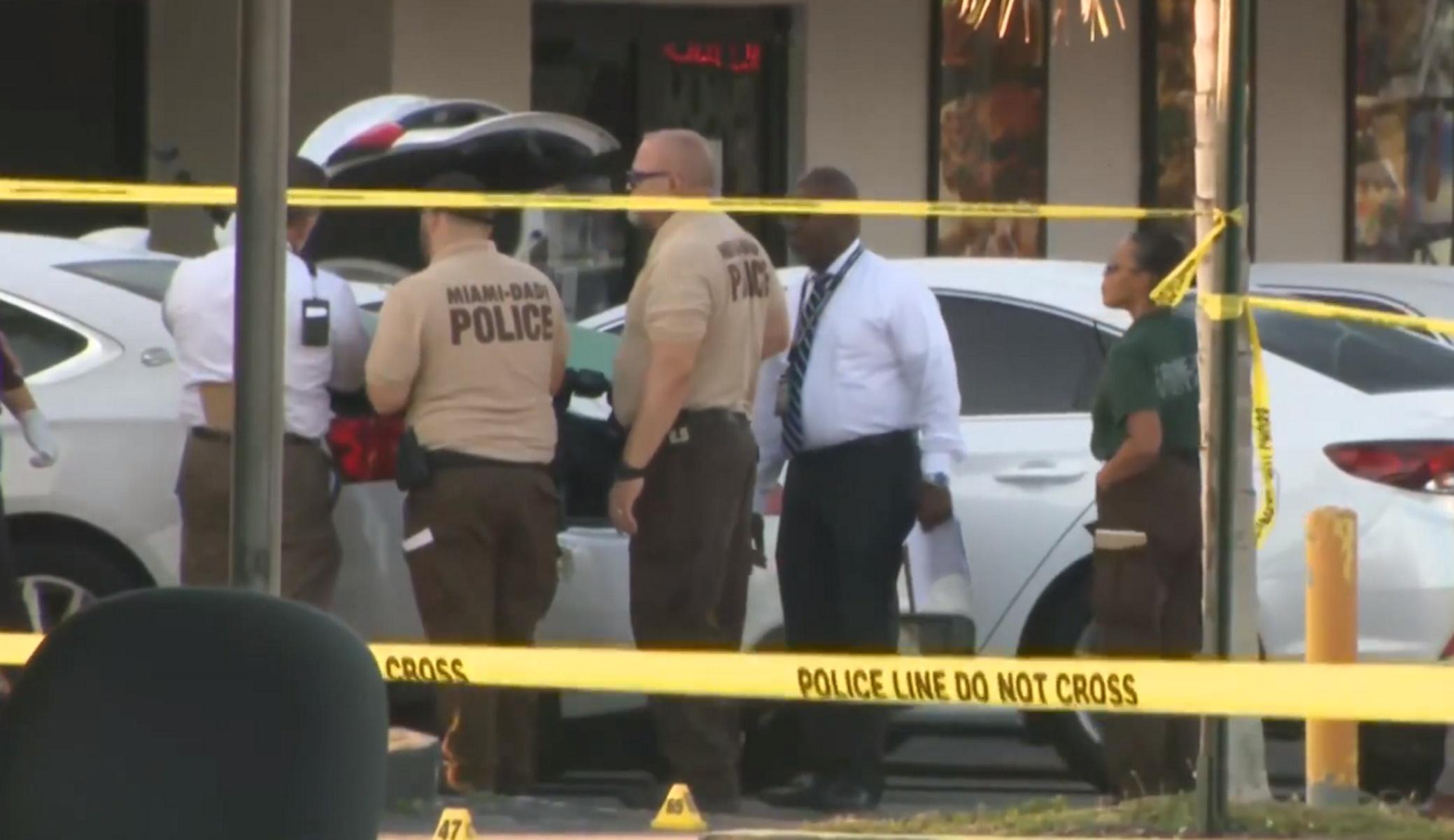 Μακελειό στη Φλόριντα: Δύο νεκροί και πάνω από 20 τραυματίες έξω από κλαμπ (pics, vid)