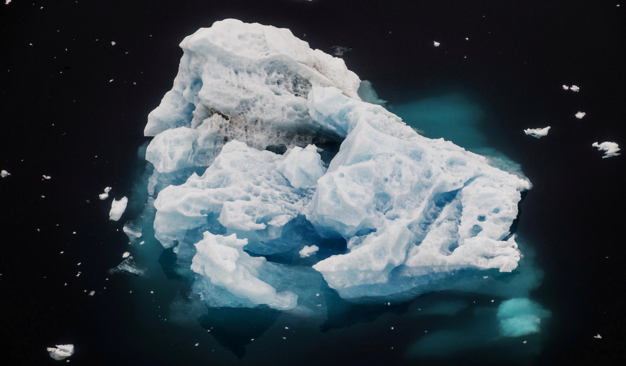 Κλιματική αλλαγή – Γροιλανδία: Σύντομα μη αναστρέψιμο το λιώσιμο των πάγων (pics)