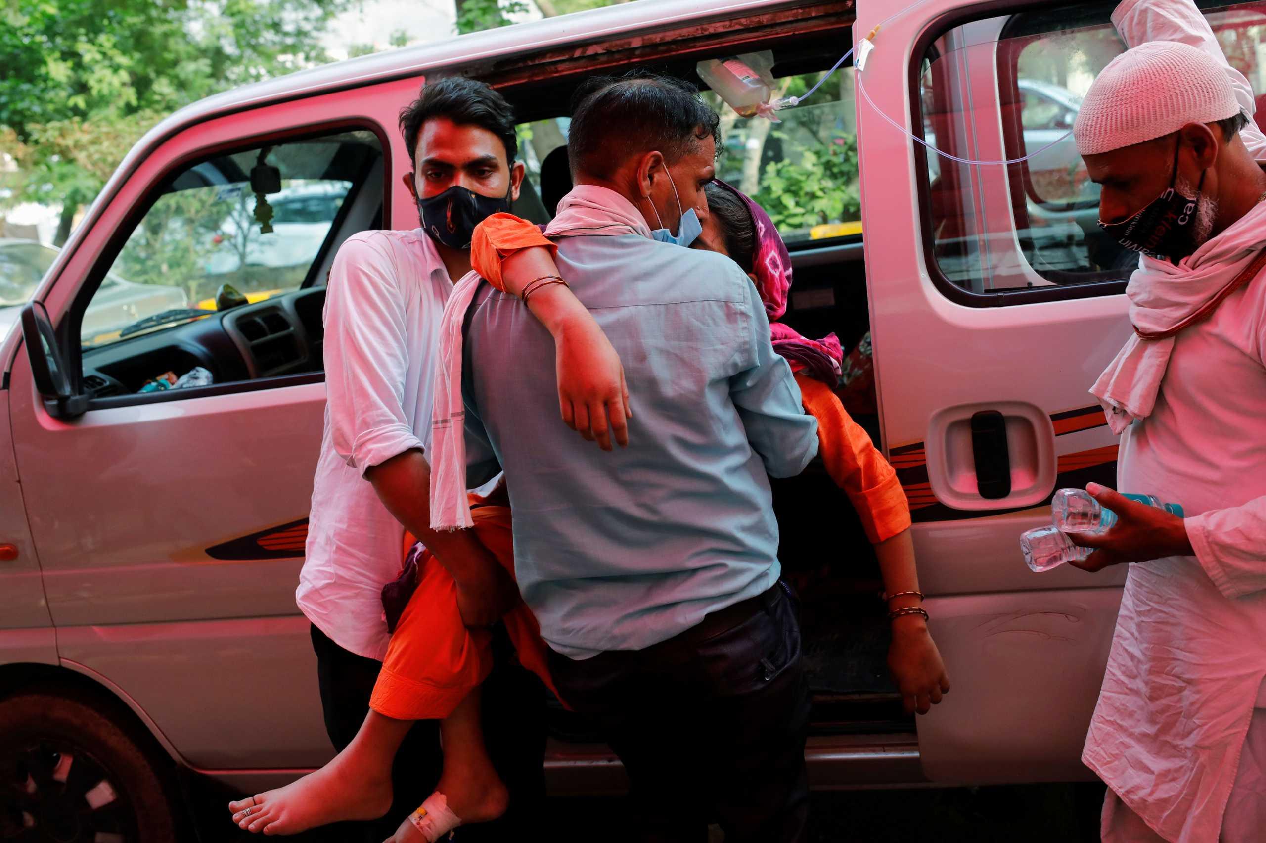 Φάουτσι: Μόνο με lockdown πολλών εβδομάδων θα αντιμετωπιστεί η κατάσταση στην Ινδία