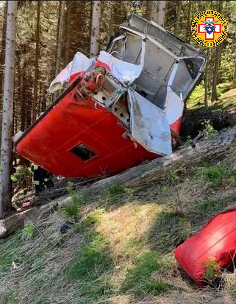 Πτώση καμπίνας τελεφερίκ στην Ιταλία: Αυτά είναι τα θύματα της τραγωδίας