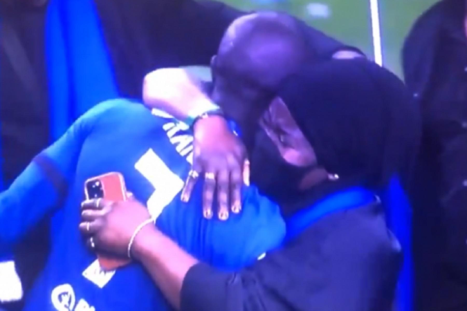 Champions League: Η τρυφερή στιγμή του MVP του τελικού με την μητέρα του