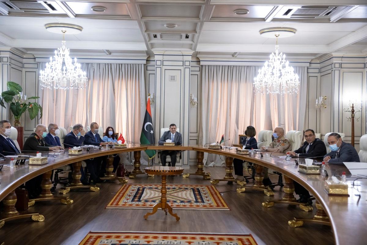 Λιβύη: Έρευνα σε βάρος της ΥΠΕΞ που «τσαλάκωσε» τον Τσαβούσογλου; Η κυβέρνηση διαψεύδει, αλλά…