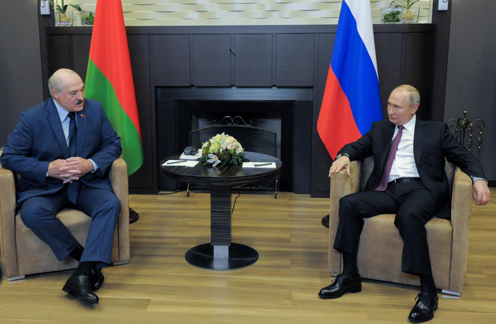 Ακόμη πιο κοντά στην «αγκαλιά» Πούτιν η Λευκορωσία