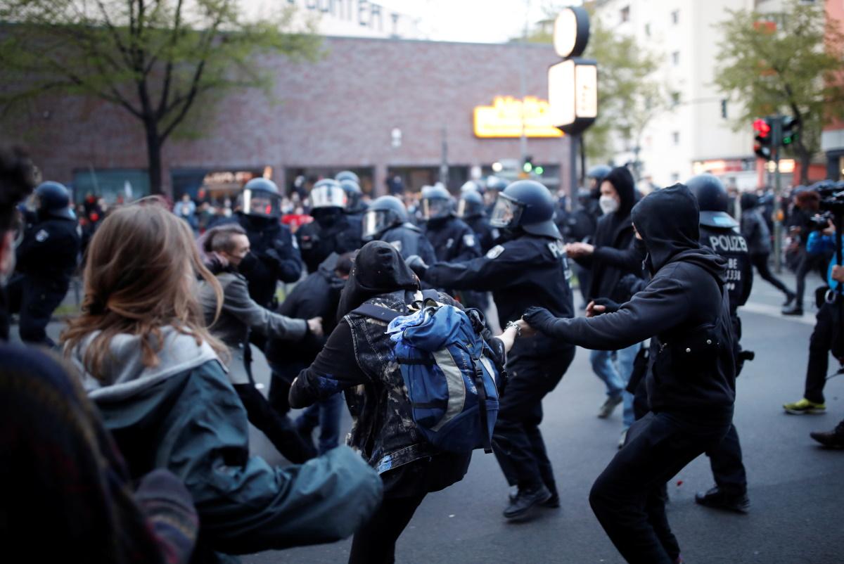 Βερολίνο: Δεκάδες συλλήψεις στις διαδηλώσεις για την Πρωτομαγιά