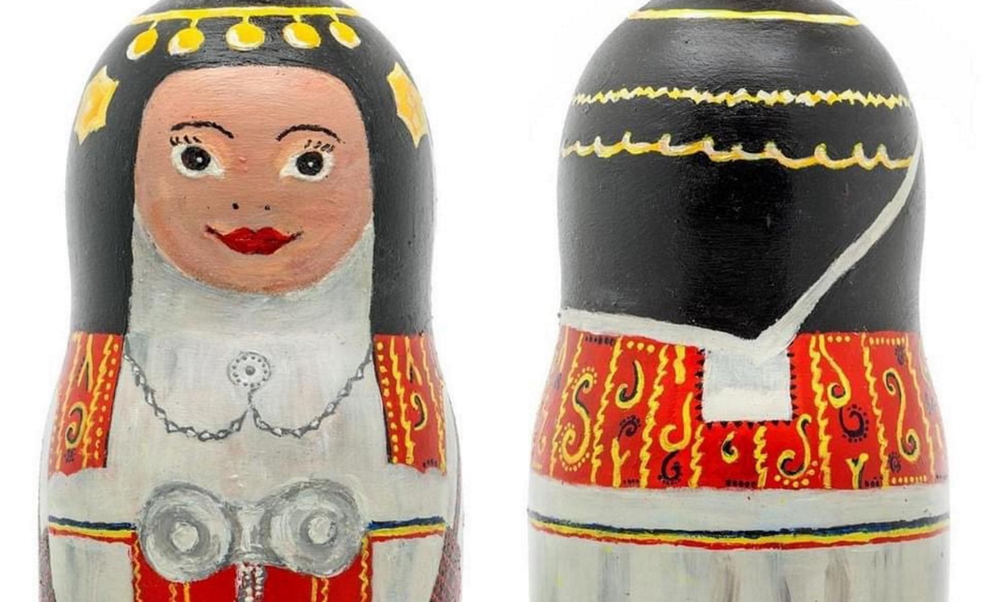 Ματριόσκα: Για πρώτη φορά η ρωσική κούκλα  έγινε Ελληνίδα (pics)