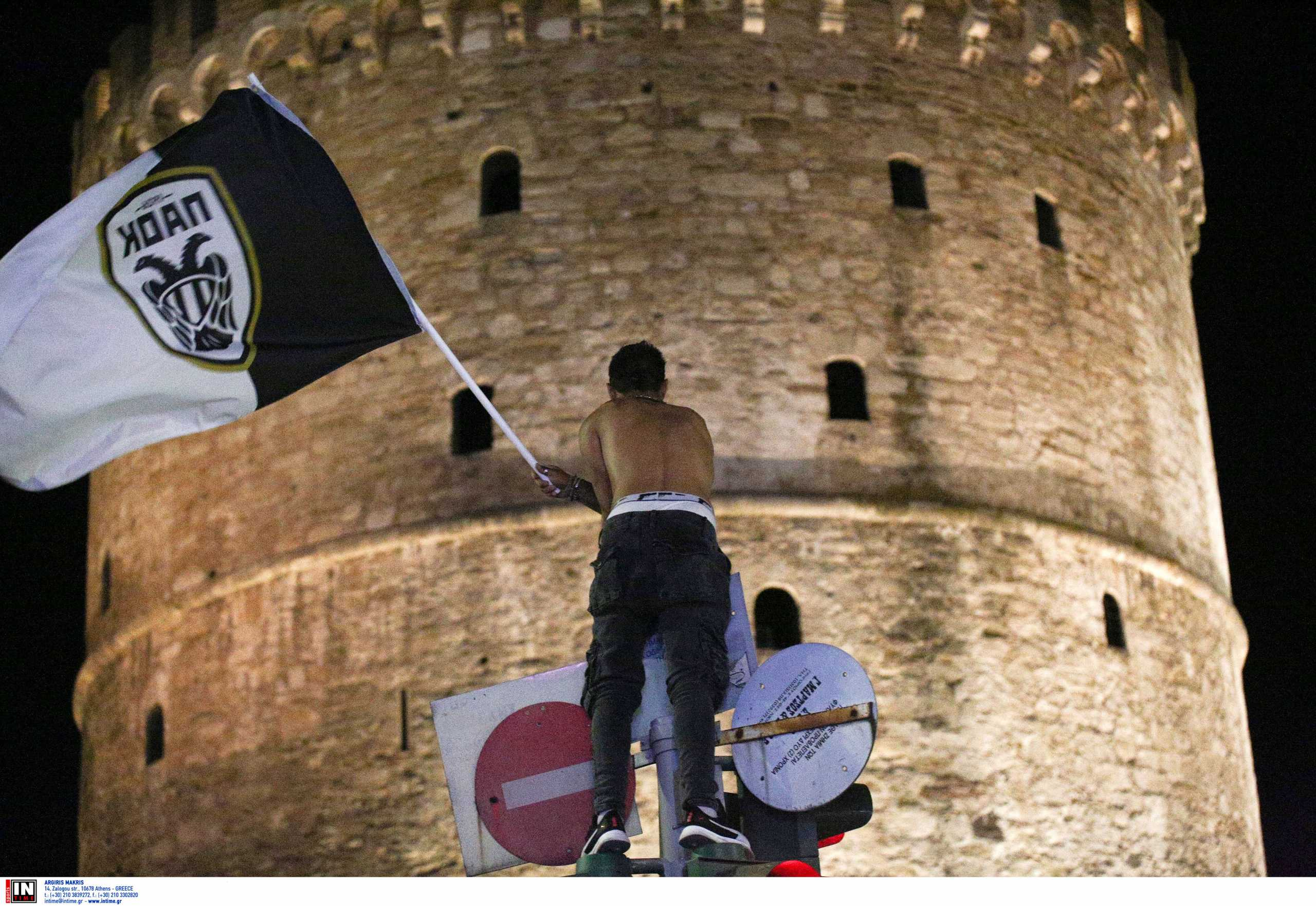ΠΑΟΚ: Χαμός στο Λευκό Πύργο από τους οπαδούς