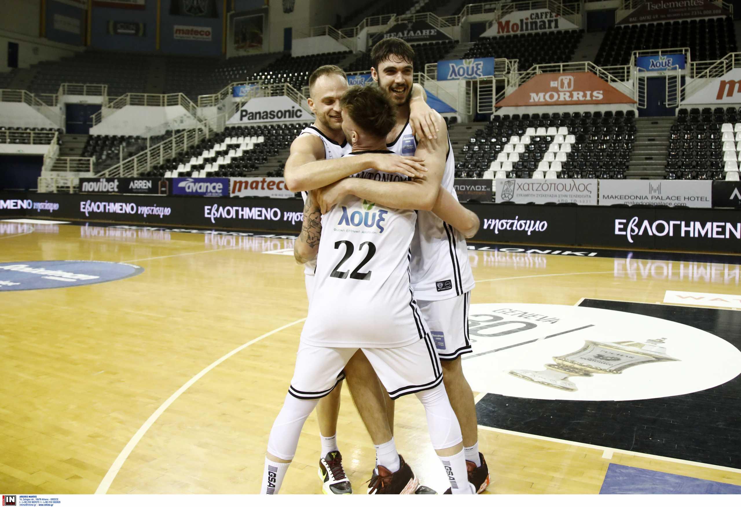 Basket League: Πολύ σκληρός για να πεθάνει ο ΠΑΟΚ, νίκησε την ΑΕΚ και η σειρά θα κριθεί στο ΟΑΚΑ