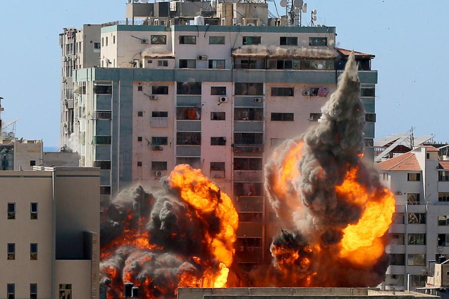 Γάζα: Αυτό απέμεινε από το 12όροφο κτίριο με τα δημοσιογραφικά δίκτυα που βομβαρδίστηκε – Συγκλονιστικές εικόνες