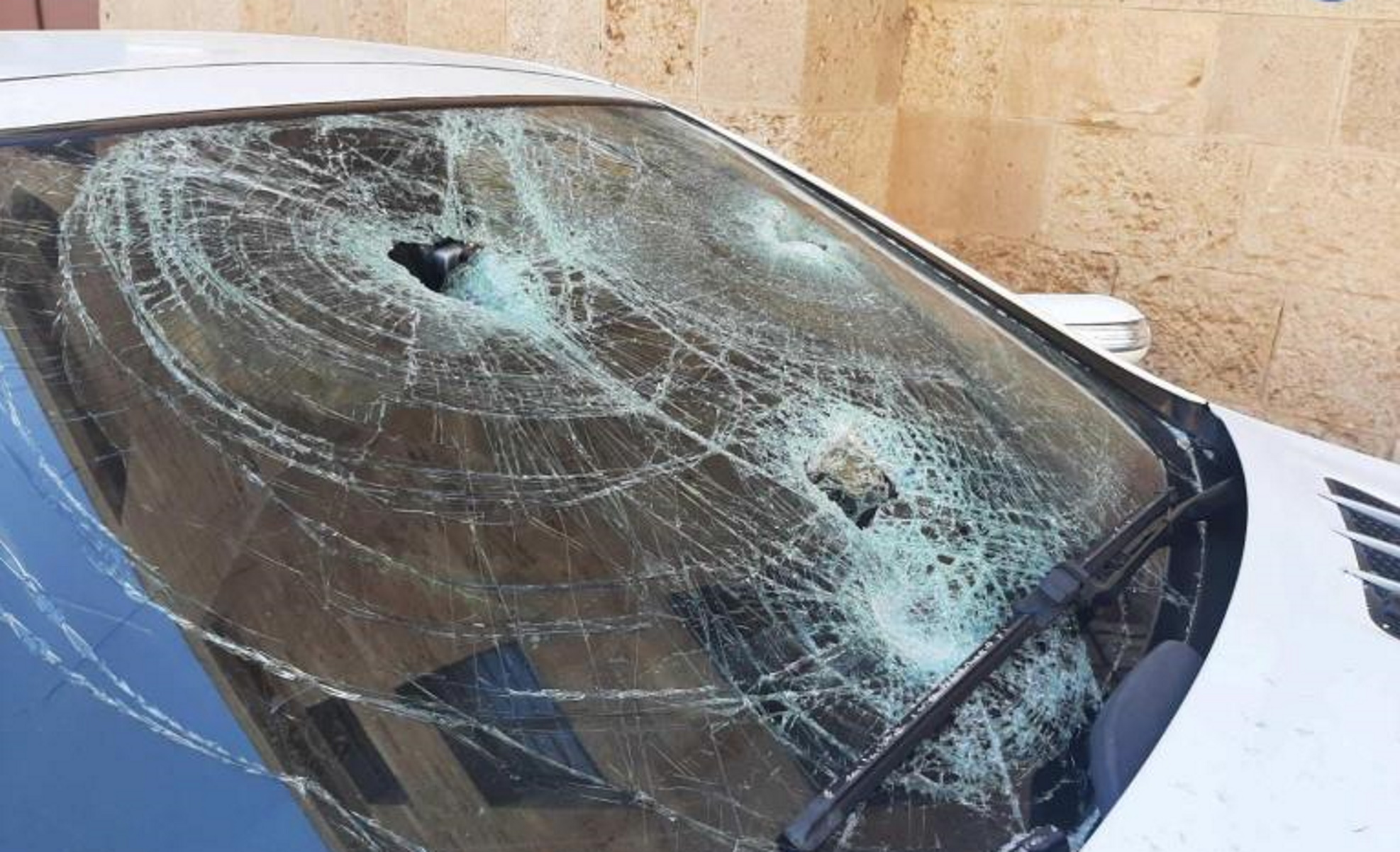 Ρόδος: Συγγνώμη από τον αστυνομικό που έσπασε αυτοκίνητο και γραφείο προϊσταμένου του