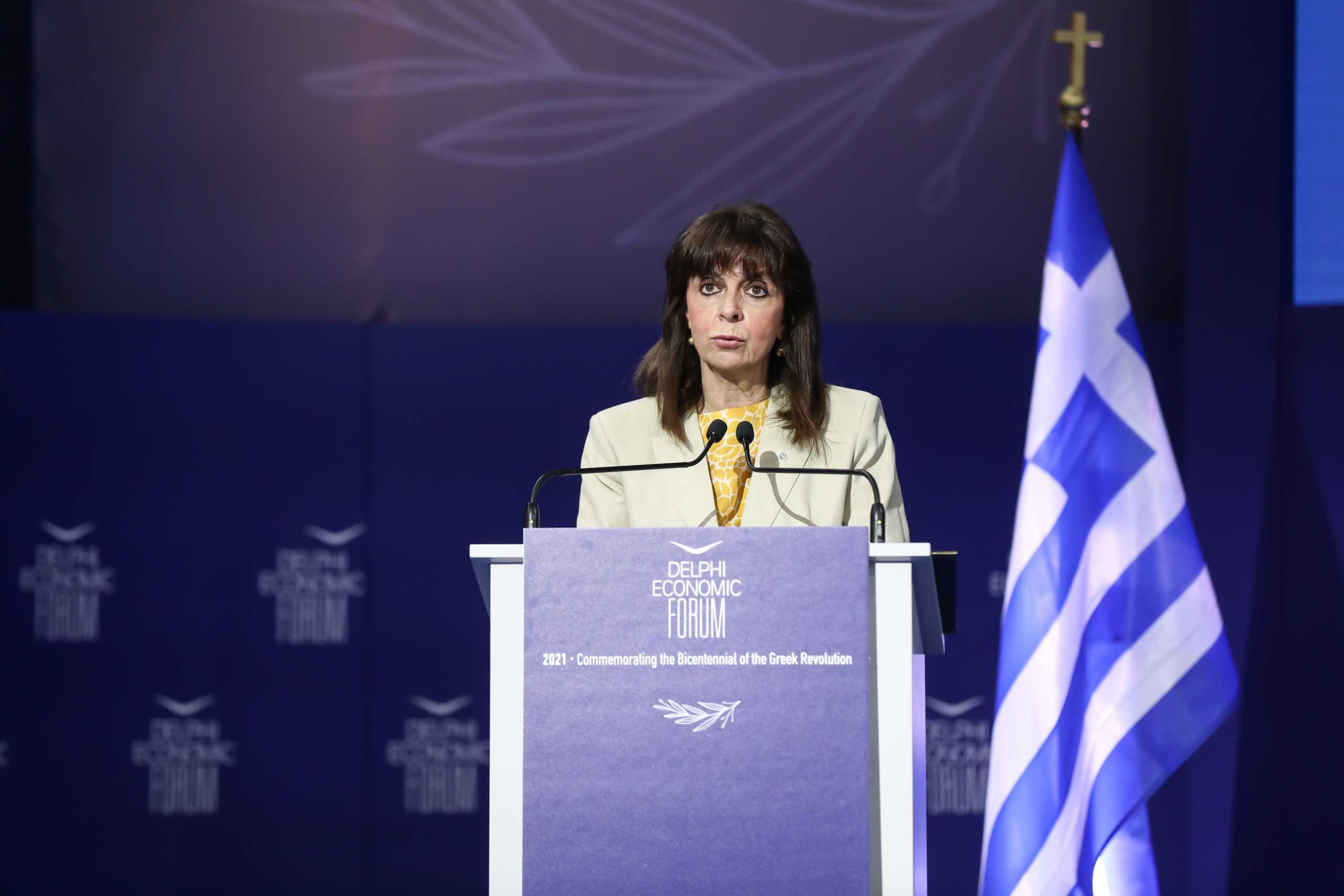 Κ. Σακελλαροπούλου: Η Ελλάδα σταδιακά και προσεκτικά επιστρέφει στην κανονικότητα