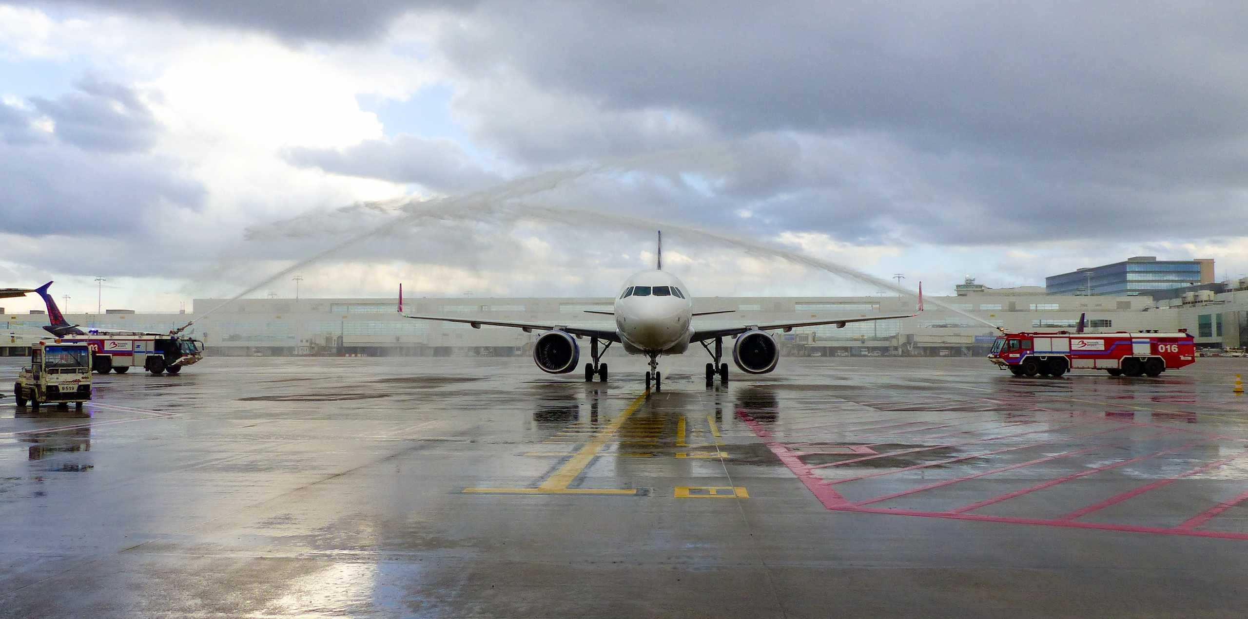 SKY express: Ξεκίνησαν οι πτήσεις από και προς Βρυξέλλες