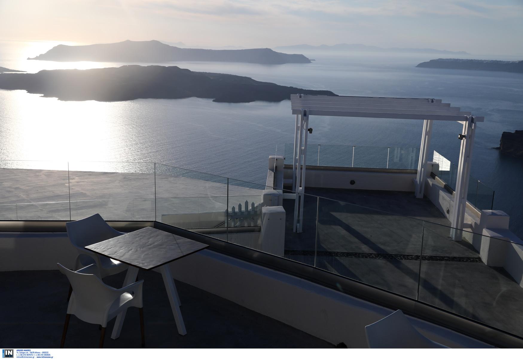 Ιταλικοί διθύραμβοι για covid safe διακοπές σε Πάρο και Σαντορίνη