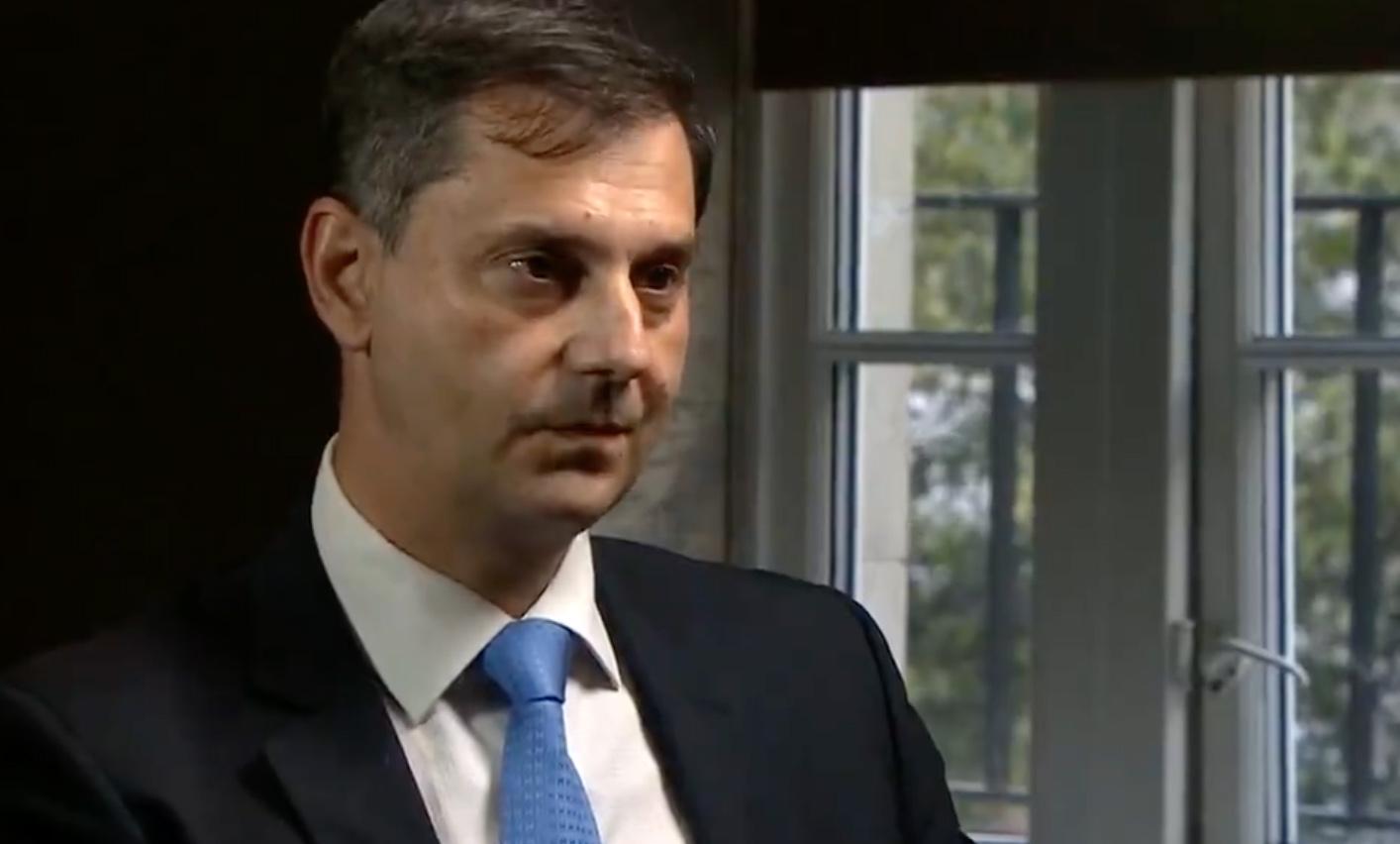 «Φάλτσα» Θεοχάρη στην συνέντευξη στο BBC – Οι ερωτήσεις που τον έφεραν σε δύσκολη θέση