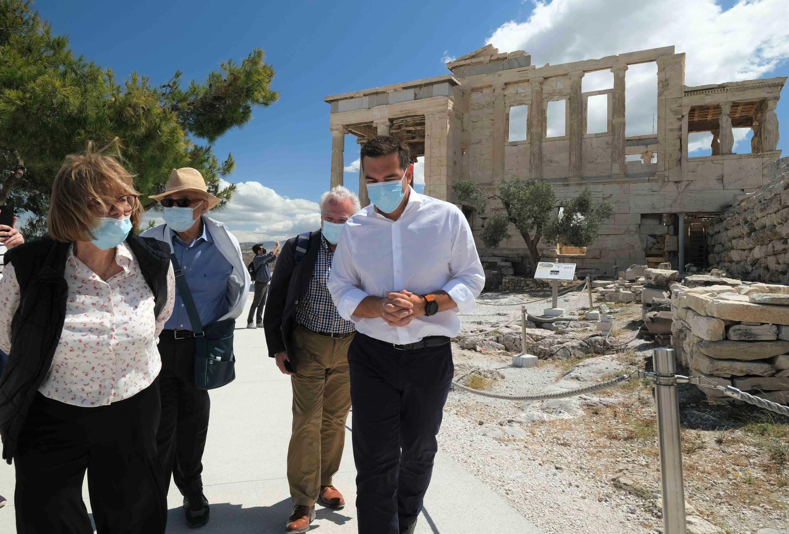 «Βροχή» δηλώσεων για την επίσκεψη Τσίπρα στην Ακρόπολη – Η απάντηση Ηλιόπουλου στην Πελώνη