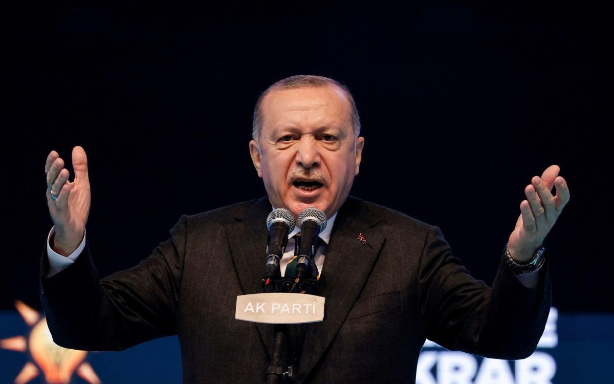 Ερντογάν: Απειλεί ΕΕ και Γαλλία με «όπλο» τους μουσουλμάνους και κάνει λόγο για γκιλοτίνες!