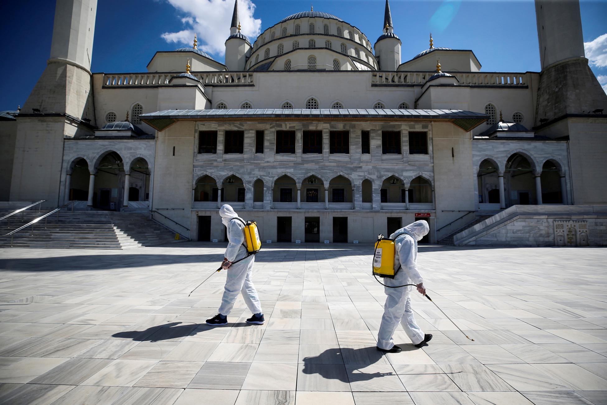 Τουρκία: Προσεκτική χαλάρωση του lockdown μετά την πτώση των κρουσμάτων