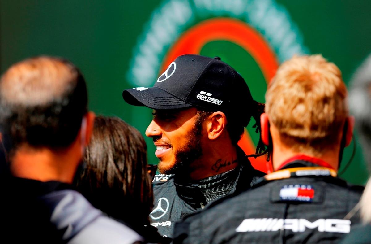 Formula 1: Ο Λιούις Χάμιλτον υπέγραψε μέχρι το 2023 στη Mercedes