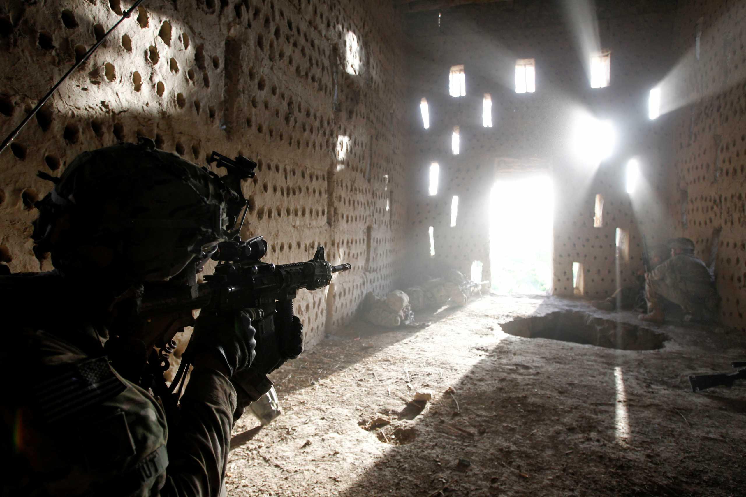 «Στραβά μάτια» ΗΠΑ στο Αφγανιστάν: Υποβαθμίζουν τις μάχες στρατού και Ταλιμπάν