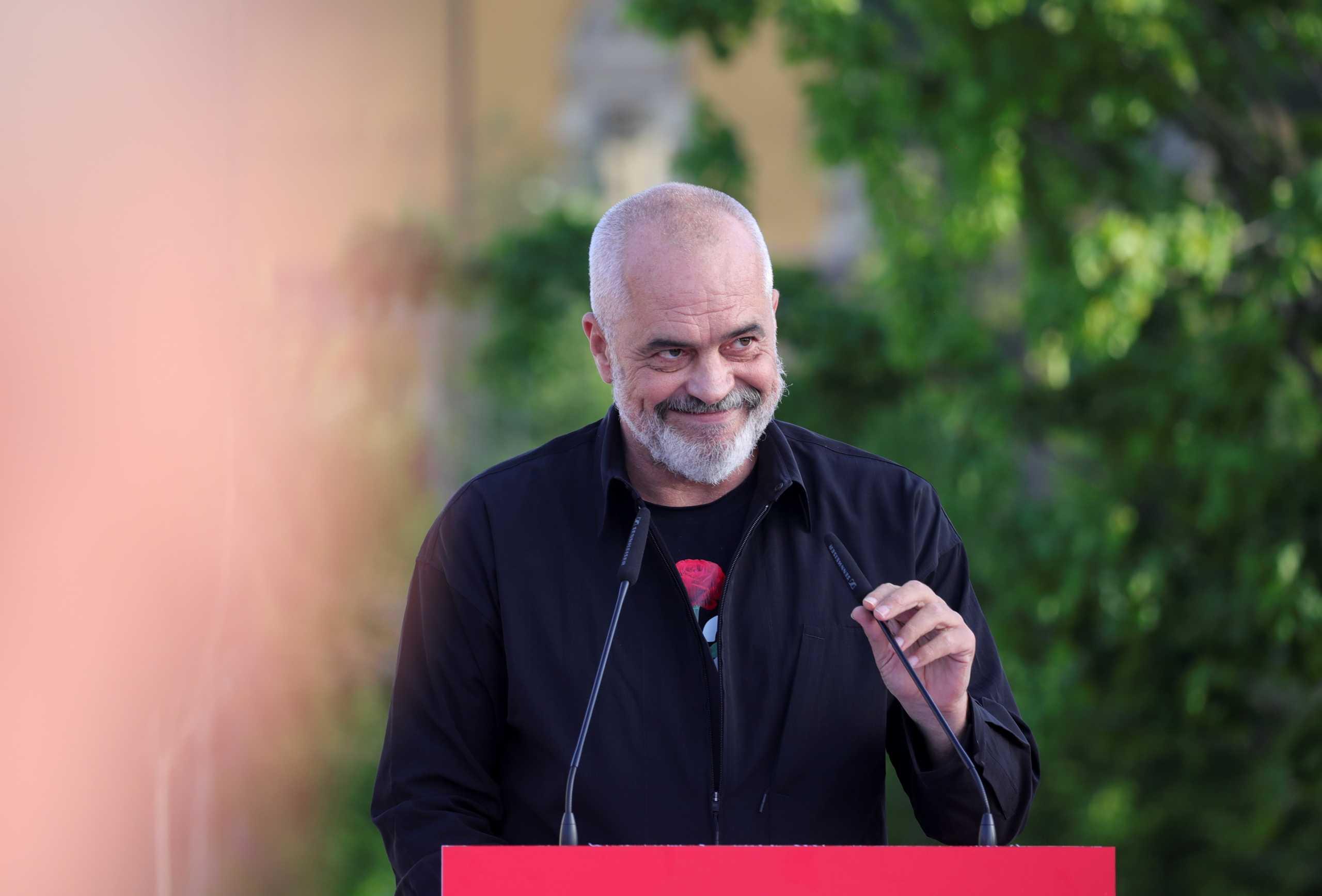 Αλβανία: Η «εκλογική σφαγή» και η καθαίρεση του Προέδρου της χώρας
