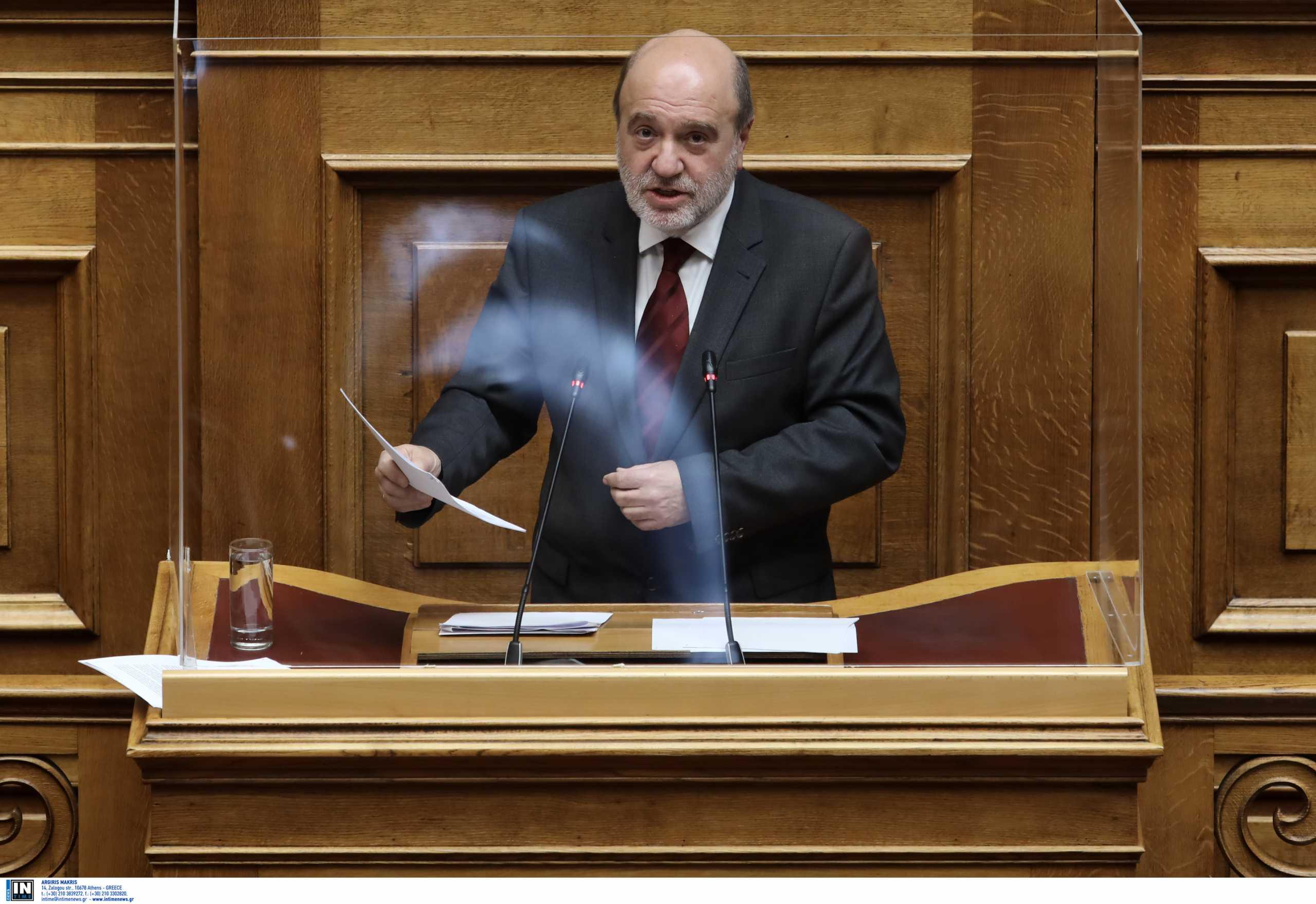 ΝΔ: Μετά τις εκκαθαρίσεις Τζανακόπουλου στο Δημόσιο τώρα ο Αλεξιάδης αυξάνει τους φόρους