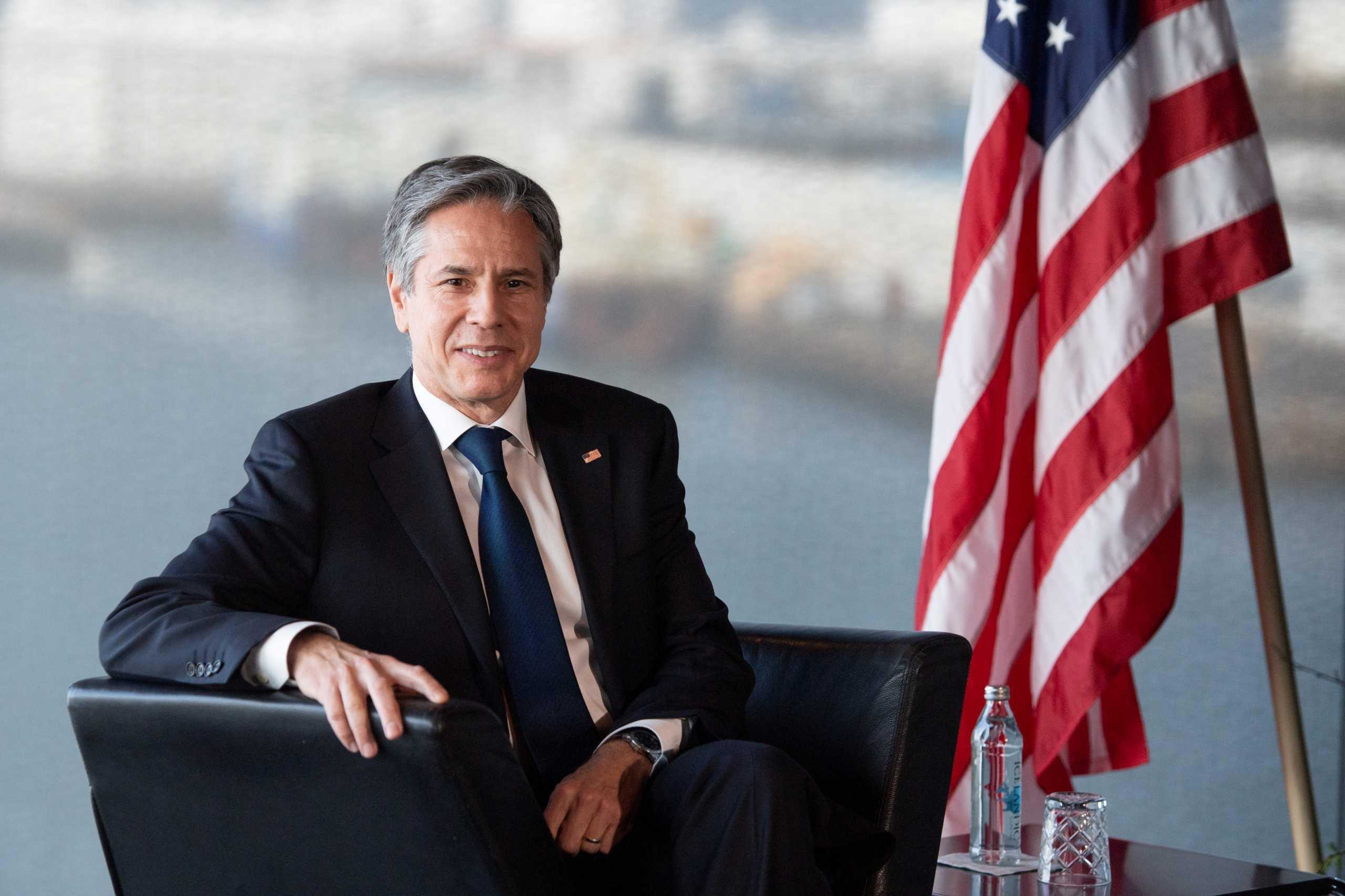 «Πρώτη» για τους ΥΠΕΞ ΗΠΑ και Ρωσίας σε… ουδέτερο έδαφος
